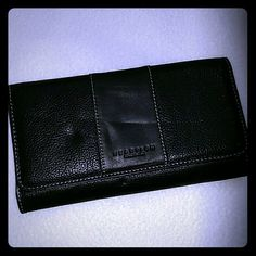 Kenneth Cole Reaction wallet Never used Kenneth Cole Reaction black leather wallet. Multiple compartments. Some indent on front leather from storage (may go away over time). Snap closure. Internal and external zipper pocket. Kenneth Cole Reaction Accessories