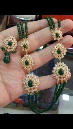 How Sell Gold Jewelry Product Beaded Jewelry Designs, Gold Jewellery Design, Bead Jewellery, Jewelry Patterns, Real Gold Jewelry, Emerald Jewelry, Indian Jewelry, Carat Gold, 18k Gold