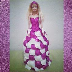 Boneca Barbie vestido feito em EVA