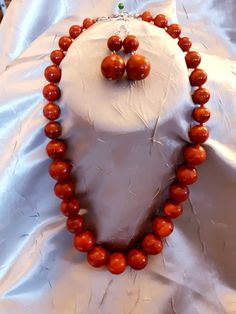 Set Colier cu cercei Coral pret 120 de lei - Predare Personala in Cluj Napoca Pearl Necklace, Coral, Pearls, Jewelry, String Of Pearls, Jewlery, Beaded Necklace, Bijoux, Beads