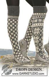 Socks & Slippers - Free knitting patterns and crochet patterns by DROPS Design Crochet Socks, Knitted Slippers, Knit Mittens, Knitting Socks, Knit Crochet, Slipper Socks, Knitting Patterns Free, Free Knitting, Free Pattern
