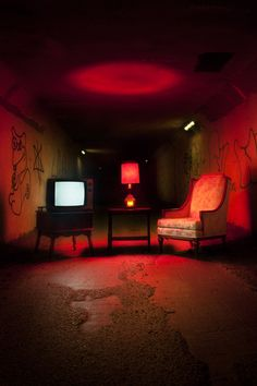 furniture photography Marcos Calamato - These eerie furniture photographs are the works of photographer and graphic designer Marcos Calamato. The photo series consists of a chair, a telev. Urbane Fotografie, Digital Foto, Neon Licht, Neon Noir, Red Rooms, Red Aesthetic, Aesthetic Design, Nocturne, Neon Lighting