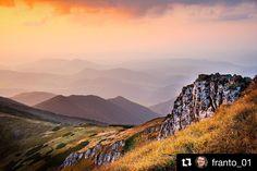 Keď slniečko zapadá... Na Malej Fatre.  skvelý tip na takéto výhľady od  @franto_01 ........... #slovensko #slovakia #malafatra #mountains #hills #rocks #view #trip #adventure #adventures #nature #landscape #sunset