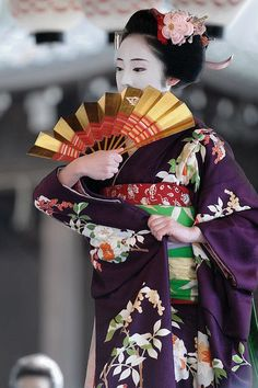 On stage. Japan. Unknown photographer
