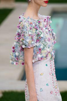 Chanel Spring 2019 Couture Fashion Show Moda Fashion, Runway Fashion, High Fashion, Fashion Show, Fashion Outfits, Fashion Design, Vogue Fashion, Stylish Outfits, Spring Summer Fashion