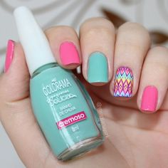 Pink and mint nails. Tribal Nail art. Nail design. Polish. Polishes.  Cochilo na Rede (Colorama) + Banho de Chuva (Colorama) + Película tribal da @estilorosa. By @morganapzk