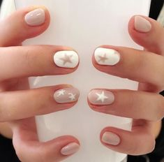 Cute Nail Art Designs Ideas for Stylish Girls - Page 12 of 20 - Fashion - Nails - Star Nail Designs, Cute Nail Art Designs, Nude Nails, My Nails, Manicure For Short Nails, White Manicure, Essie, Neutral Nail Art, Nagellack Trends