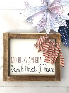 Outstanding farmhouse decor diy are readily available on our internet site. Take a look and you wont be sorry you did. Fourth Of July Decor, 4th Of July Decorations, 4th Of July Party, Fourth Of July Chalkboard, Memorial Day Decorations, House Decorations, Patriotic Crafts, July Crafts, Holiday Crafts