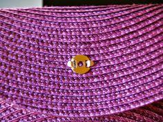 Diy, Beauty & Delicious: Diy: Bolso de mano o Clutch. Picnic Blanket, Outdoor Blanket, Clutch Purse, Clutch Handbags, African Fashion, Diy And Crafts, Knit Crochet, Diy Beauty, Diy Projects