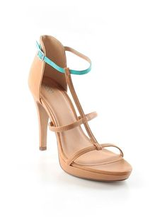 Love the turquoise strap! Great heels for spring!