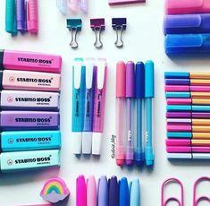 Coisas para estudar. E deixar o caderno mais colorido e bonito