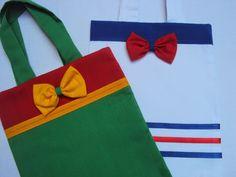 Sacolinha surpresa confeccionado em tecido de algodão.    Tamanho: 18 cm x 22 cm......valor: R$6,40  Tamanho: 20 cm x 23 cm......valor: R$6,80  Tamanho: 22 cm x 28 cm......valor: R$7,10    Pode ser feita em outros tamanhos (maiores) e cores, consulte!!!    ATENÇÃO AO PRAZO DE CONFECÇÃO: O prazo é...