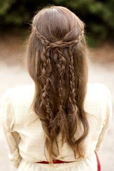 Love this easy braided look! So sweet :) Couleur Ombre Hair, Pretty Hairstyles, Twist Braid Hairstyles, Elvish Hairstyles, Girl Hairstyles, Wedding Hairstyles, Stylish Hairstyles, Hair Dos, Messy Braids