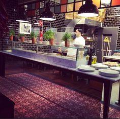 Showküche mit Pizzaofen in der L'Osteria am Hauptbahnhof Wien #viennaliciousempfiehlt