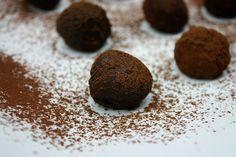 Αγαπημένα τρουφάκια! Petits chocolate bites!