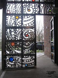 Gate with acrylic di