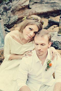 Vintage Wedding. #Vintagewedding #vintage #vintagebride #wedding #bride #groom #headband #weddingdesign #diy #vintagegown #vintagedress