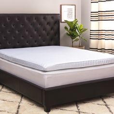 Beautyrest's revolutionary memory foam infused with gel in a dual-sided design provides the ultimate supportive and comfortable sleep experience. Cool, rejuvenating gel absorbs pressure and channels heat away, preventing excessive temperature build-up.