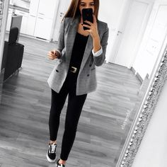 """4,180 Me gusta, 15 comentarios - Zara Community (@zara__europe) en Instagram: """"Basics #zara"""""""