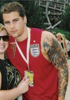 O M G He's in a soccer shirt!!!!!!!!!!