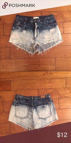 Garage denim ombré high waisted shorts sz.9 Super cute and trendy! Garage Shorts Jean Shorts