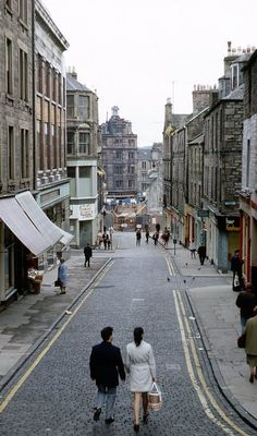 The old Wellgate, Dundee Old Pictures, Old Photos, Day Trips From Edinburgh, England And Scotland, Dundee, Scotland Travel, City Streets, Past, Around The Worlds