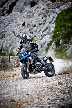 Motorbike Shed, Ducati Motorbike, Mini Motorbike, Motorbike Design, Motorbike Girl, Bmw Motorcycles, Motorbike Cake, Indian Motorbike, Motorbike Jackets