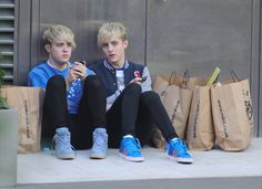 Jedward hop on the tube for a day out at the shops - pictures! - Gossip Goddess News - Reveal