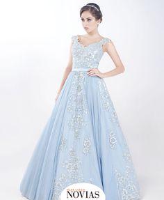 Vestidos de novia de color celeste