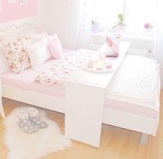 http://amyylauren-xo.blogspot.com.au check out my new blog!