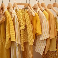 Amarillo uploaded by dallanaa on We Heart It Rainbow Aesthetic, Aesthetic Colors, Aesthetic Pictures, Aesthetic Yellow, Aesthetic Vintage, Aesthetic Grunge, Aesthetic Shop, Aesthetic Anime, Aesthetic Clothes