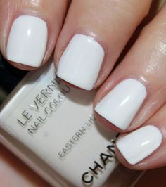Chanel Eastern Light Le Vernis www.vampyvarnish.com