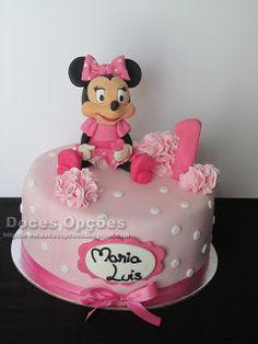 Doces Opções: A Minnie foi ao 1º aniversário da Maria Luís Cake Decorating, Decorating Ideas, Themed Cakes, 1, Desserts, Food, Disney Cakes, Birthday Cakes, Decorating Cakes