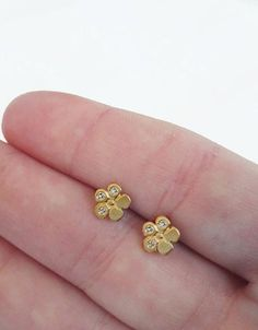 Small Gold Flower Stud Earrings