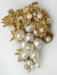 Enchanting Vintage 1950s Miriam Haskell by EclecticDebsVintage Crazy in love this vintage pin ! Yes !!!!