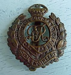 Royal Engineer Cap Badge Royal Engineers, Falklands War, British Army, Military History, Armed Forces, Badges, Wwii, Flags, Cap