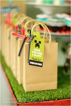 Minecraft Party Favors www.spaceshipsandlaserbeams.com