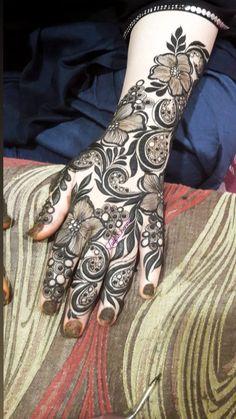 Pretty Henna Designs, Latest Bridal Mehndi Designs, Floral Henna Designs, Mehndi Designs Book, Mehndi Designs 2018, Mehndi Designs For Beginners, Mehndi Design Pictures, Wedding Mehndi Designs, Unique Mehndi Designs
