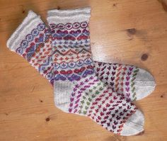 Ravelry: Project Gallery for Faux Fair Isle Fairy Socks pattern by Nicky Epstein