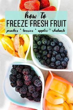 Fruit Freezing Guide- How to Freeze Fresh Fruit How to freeze fresh fruit- this tutorial tells you how to freeze fruit to maximize freshness and minimize freezer burn. Berries, peaches, apples and rhubarb are all easy to freeze and enjoy year round! Freezing Vegetables, Freezing Fruit, Frozen Vegetables, Freezing Strawberries, Frozen Fruit, Frozen Meals, Fruit And Veg, Fruits And Veggies, Fruit Food