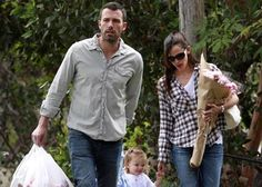 Getting in some all important quality time, Jennifer Garner and Ben Affleck were spotted out at the Brentwood Farmers Market yesterday (August 29).