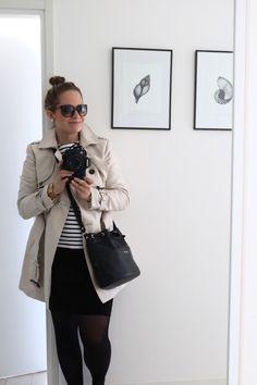 Homevialaura | Spring outfit | breton shirt | trench coat | Longchamp bucketbag