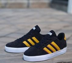 Adidas Derby list yellow Size:40-44 Harga:300  Pemesanan hubungi: PIN cs 1: 7C4EF6FB cs Bella : 5E1FDF41 cs Detta: 5FA639B3 cs Maya: 5FCB8937 LINE: landisstore SMS/WA: 0859-7498-5566 #sepatuwakai #sepatuslipon #sepatutruf #sepatumurah #sepatusimple #sepatuserbaguna #sepatubagus #grosirbandung #gudangsepatu #pusatonline #landisstore #adidassuperstar #reebokclassic #nikemd #adidasyeezy #newbalance #produkbaru