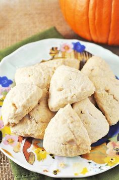 Cinnamon Vanilla Scones Recipe!!! Get in my bellahhhh