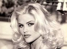 Anna Nicole Smith - Great Makeup for the Guess Jean Ads