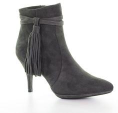 Unisa Prepy boots.