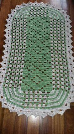 Crochet Placemats, Crochet Table Runner, Crochet Doily Patterns, Crochet Squares, Crochet Designs, Crochet Doilies, Crochet Daisy, Crochet Home, Cute Crochet