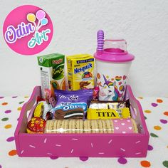 Birthday Gifts For Best Friend, Best Friend Gifts, Box Surprise, Weird Gifts, Ideas Para Fiestas, Child Day, Gift Baskets, Oreo, Toy Chest
