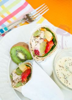 Tropical Chicken Wraps w/ Honey-Lime Dipping Sauce. this looks a little complicated but worth the try! Grilled Chicken Wraps, Cold Lunches, Good Food, Yummy Food, Soup And Sandwich, Wrap Sandwiches, Afternoon Snacks, Light Recipes, Soup And Salad