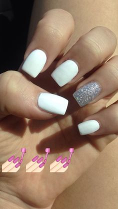 Nails Art White Glitter Sparkle 61 Trendy Ideas Nail Art White Glitter Sparkle 61 Trendy Ideen This image has. White Acrylic Nails With Glitter, White And Silver Nails, White Glitter Nails, Square Acrylic Nails, Cute Acrylic Nails, White Nails With Design, White Summer Nails, Glitter Art, White Acrylics